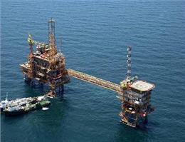 دو سکوی میدان نفتی فروزان وارد کشور می شود
