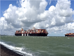 بیکاری 324 فروند کشتی در جهان