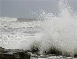 خلیج فارس همچنان برای تردد شناورها مساعد نیست