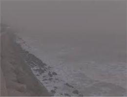 ریزگردها آبهای خلیج فارس در بوشهر راخاکستری کرد