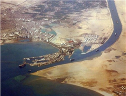Suez Canal offers rate cut ahead of Panama Canal opening