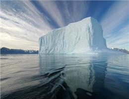 کوه یخی شناور شد/خطر برخورد با کشتی ها