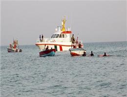 امداد رسانی به قایق تفریحی در آبهای بوشهر