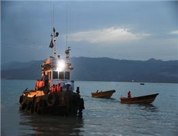 کشتی ویانا سه صیاد ایرانی در آبهای خزر را نجات داد