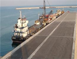 کشتیهای ۱۲ هزار تنی در بندرگاه کیش پهلو میگیرند