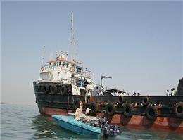 توقیف کشتی حامل سوخت قاچاق در قشم