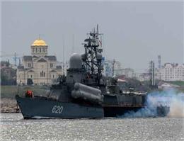 کنترل یک پایگاه دریایی در کریمه توسط روسیه