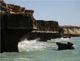 رکود گردشگری جزیره هنگام با شروع گرما